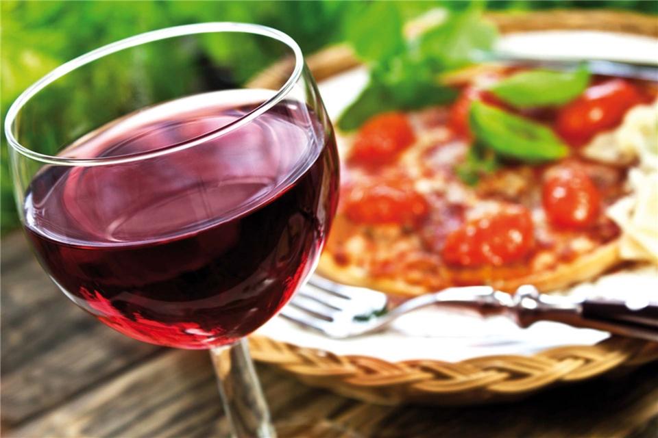 Italien Pizza und Wein