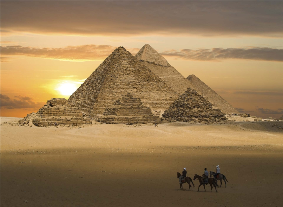 Ägypten - Pyramiden mit Sonnenuntergang