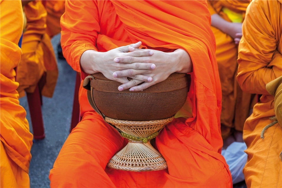 Thailand - Mönch mit Trommel