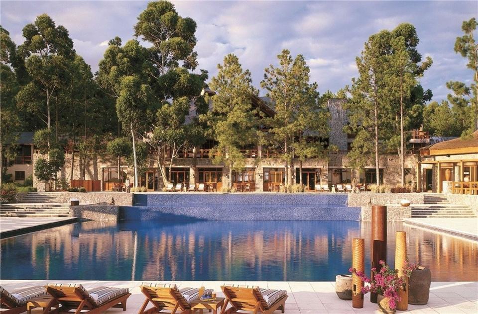 Suedamerika - Aussicht auf den Pool im Carmelo Resort und Spa