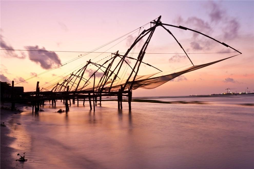 Indien - Segel am Strand im Sonnenuntergang