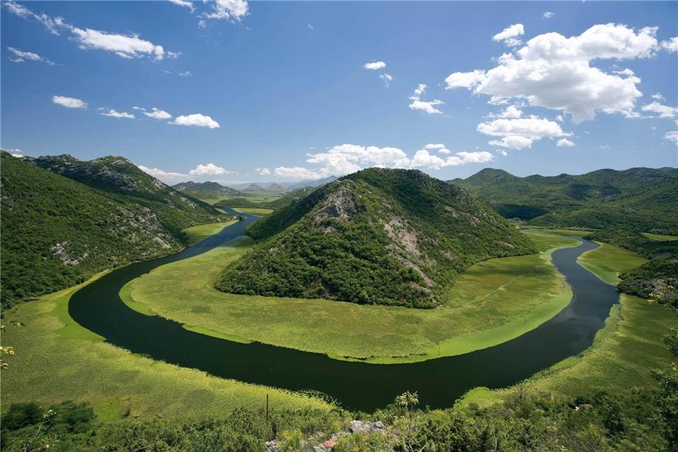 Adira Fluss von Crnojevic