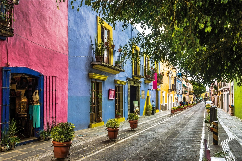 Mexiko - Bunte Seitenstrasse