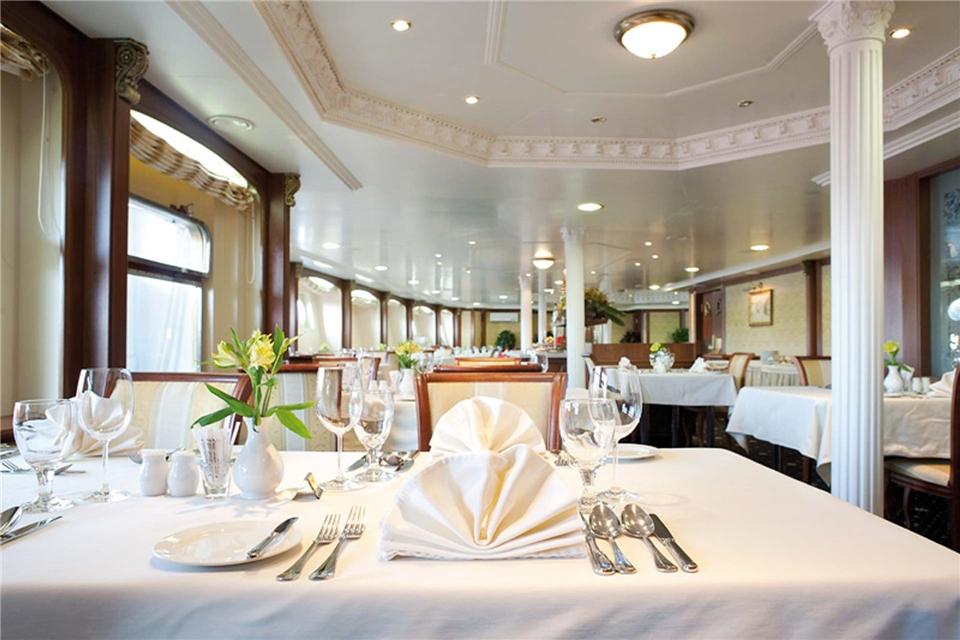 Volga Dream Cruises Volga Dream Restaurant