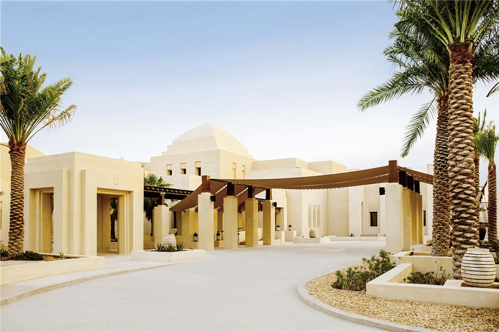 Jumeirah al Wathba Desert Resort Außenansicht