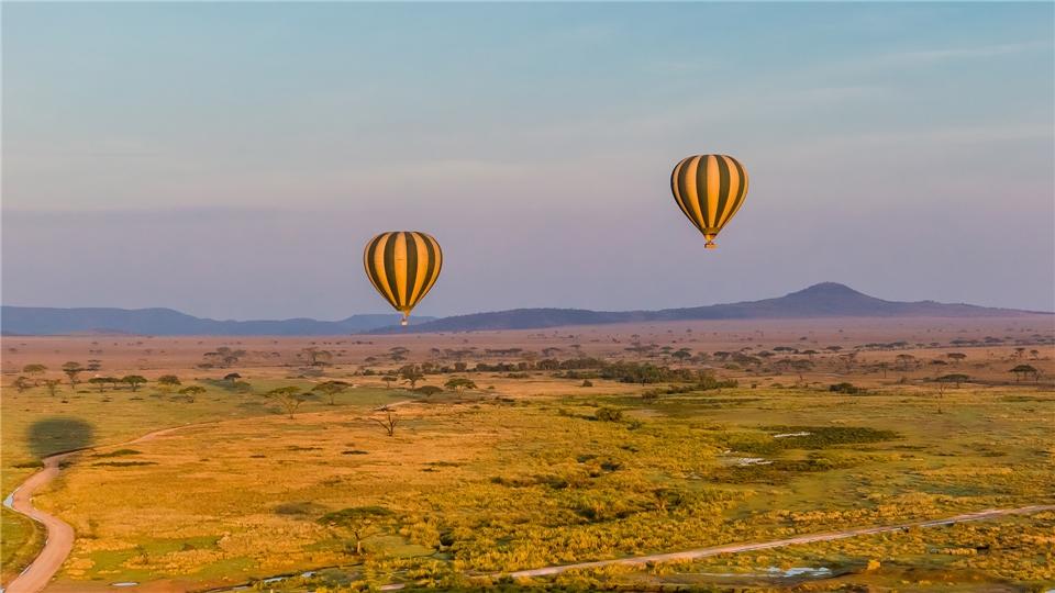 Tansania a la Carte Ballonfahrt über dem Serengeti-Nationlapark