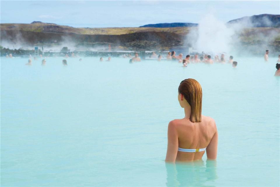 Island Frau im Thermalbad Blaue Lagune