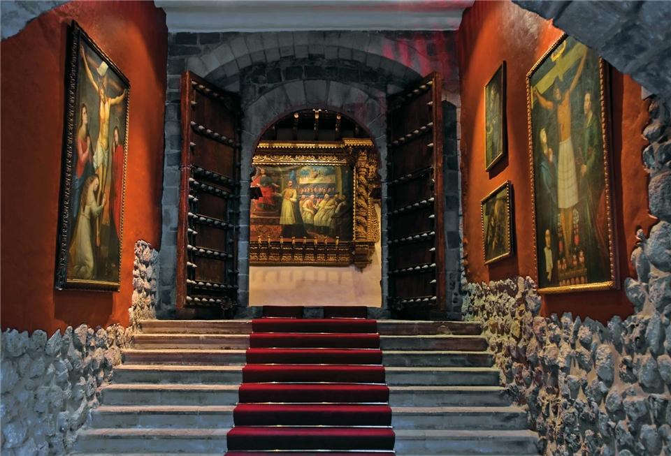 Südamerika in Style Eingang zum Belmond Monasterio