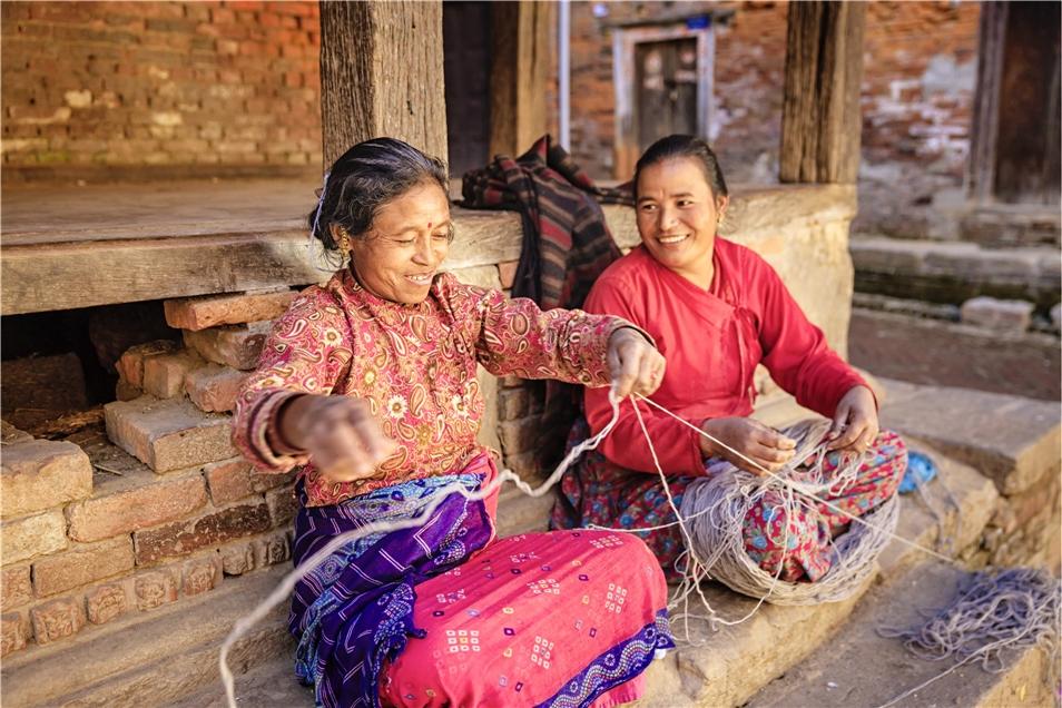 Nepal Frauen mit Band