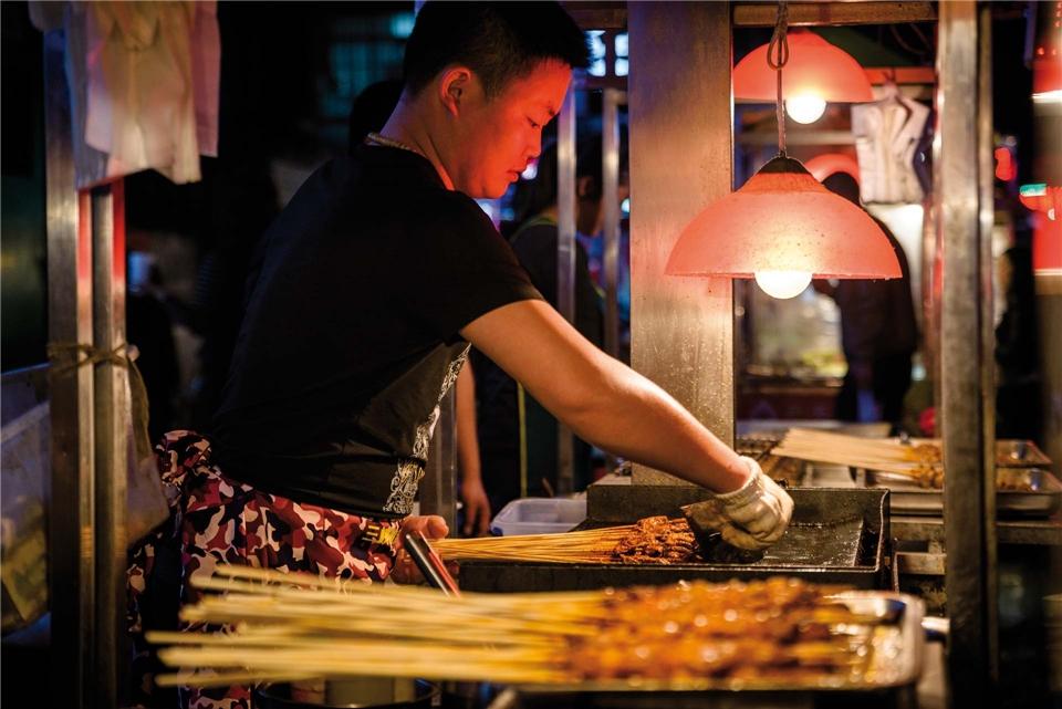 Essential China Garküche bei Nacht